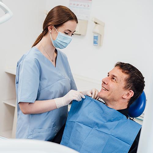 Zahnärztin Mülheim - Dr. Renata Messner - Praxis - Behandlung